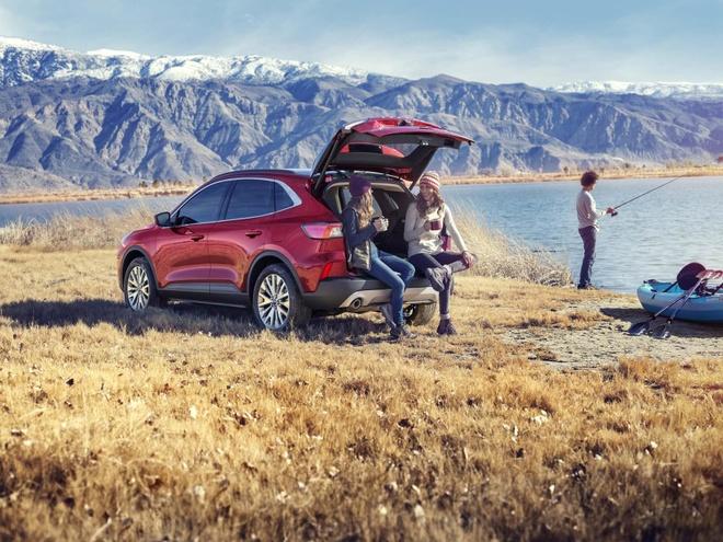 Ford Escape 2020 ra mat, doi thu cua Honda CR-V va Toyota RAV4 hinh anh 2