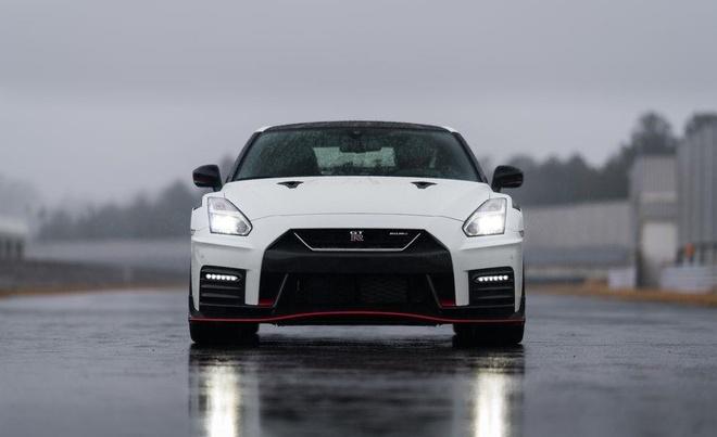 Nissan GT-R 2020 co them 2 ban dac biet, chu trong tang hieu nang hinh anh 2