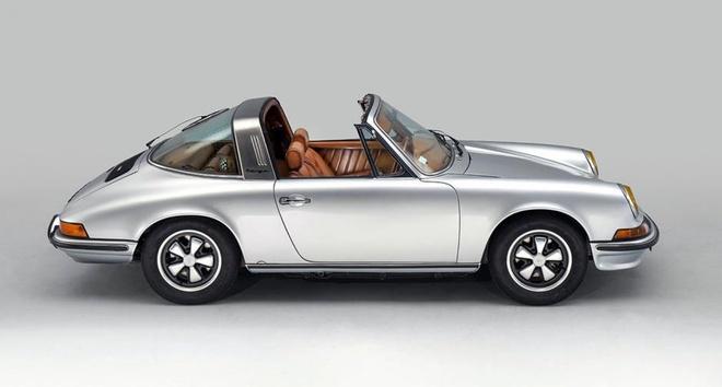 Porsche 911 Targa S doi 1973 bien thanh tac pham thoi trang Phap hinh anh 1