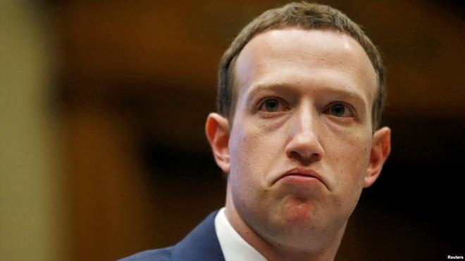 Ngay ca nhan vien Facebook cung khong con tin Mark Zuckerberg nua hinh anh 1