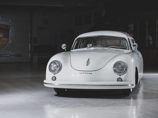 Porsche 356 ban limousine doc dao nhat hanh tinh duoc ban dau gia hinh anh 2