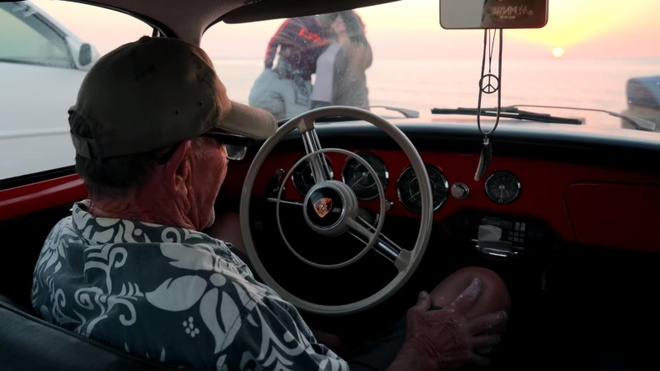 Cu ong 71 tuoi cam lai chiec Porsche co 50 nam, chay 1,6 trieu km hinh anh 3