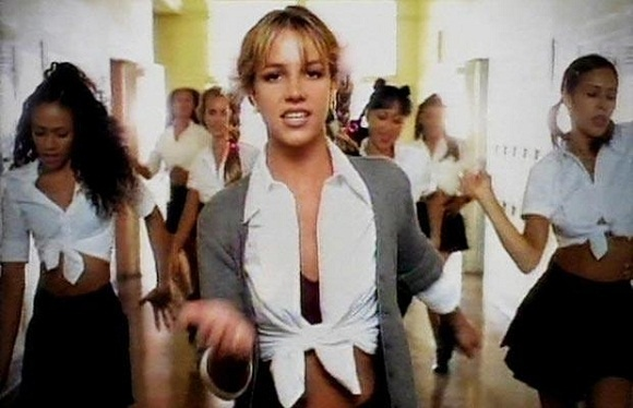 15 dieu thu vi ve hit 15 tuoi 'Baby One More Time' hinh anh