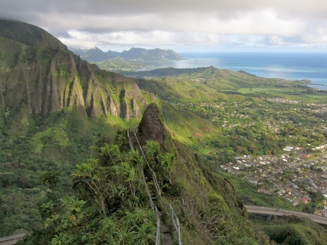 Thot tim tren cau thang 'len thien dang' o Hawaii hinh anh 6