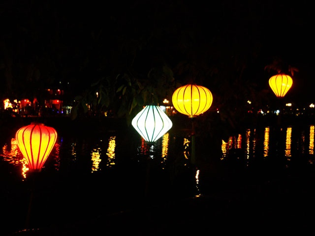 Lang man den long pho co Hoi An hinh anh
