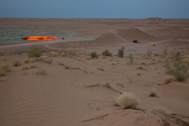 Nhung vung sa mac dep me hon hinh anh 19 Sa mạc Karakoum, Darvaza crater.