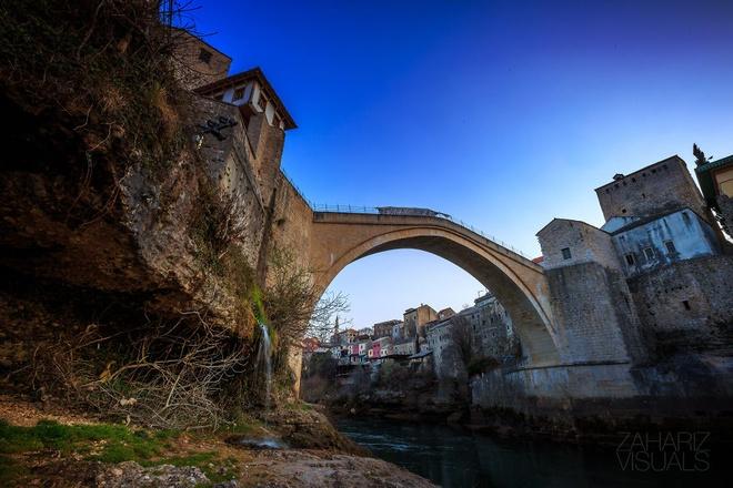 Canh sac nhu tranh ve o Bosnia va Herzegovina hinh anh 4 Thành phố lúc lên đèn.