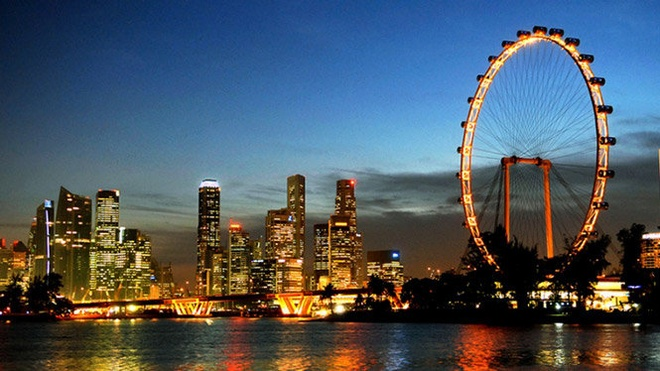 Vi sao phai trai nghiem Singapore ve dem mot lan trong doi? hinh anh