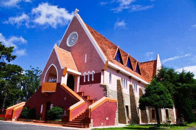 Nhung nha tho co thiet ke an tuong nhat Viet Nam hinh anh 6 Nhà thờ Domaine. Ảnh: Dalat.net
