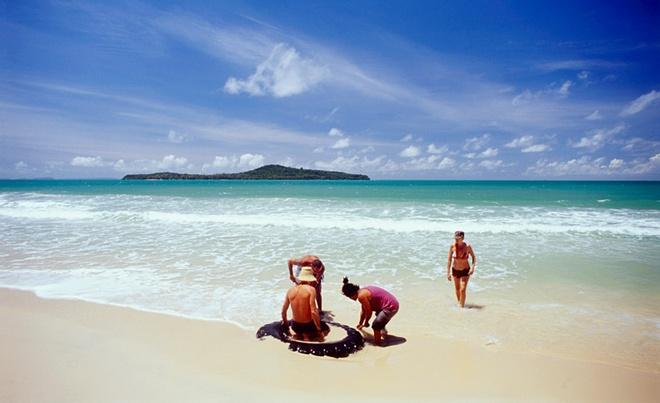 Nhung hon dao dep hut hon cua Campuchia hinh anh 2 Đảo Koh Ta Kiev có rất nhiều bãi biển đẹp. Hiện đảo đang được phát triển du lịch bởi một công ty của Malaysia với hợp đồng thuê 99 năm. Ảnh: Kohrongisland
