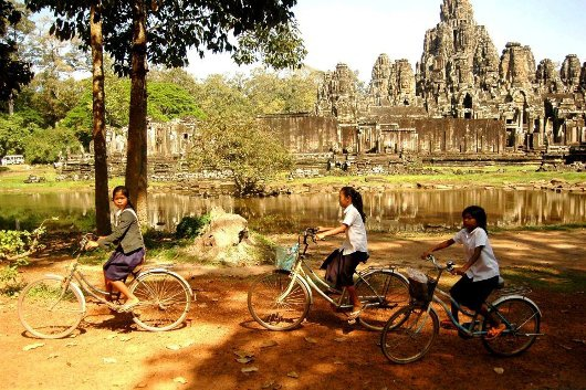 Nhung diem hut du khach Viet o Campuchia hinh anh