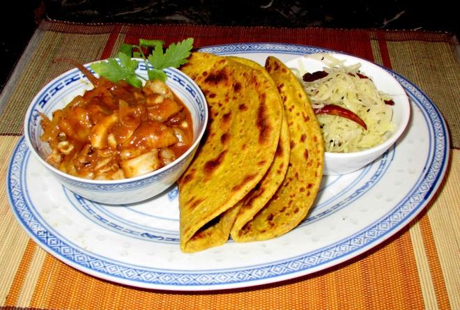 Nhung mon an duong pho gay thuong nho cua Yangon hinh anh 2 Roti là món bánh mì dẹt xuất phát từ Ấn Độ được làm từ các loại chất béo như bơ, đường, sữa, trứng và bột. sybaritica