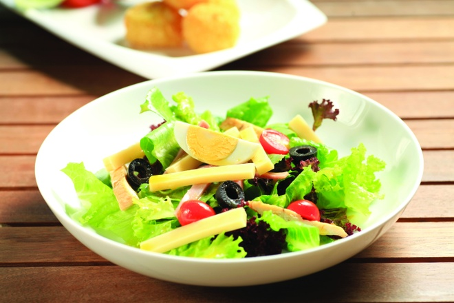 Salad ga nuong cho thuc don lowcarb hinh anh 1