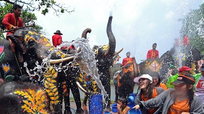 Songkran - Tet te nuoc mung nam moi cua Thai Lan hinh anh 2