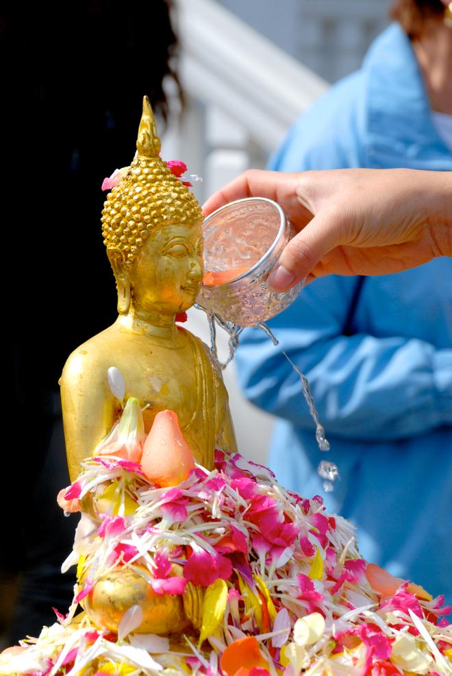Songkran - Tet te nuoc mung nam moi cua Thai Lan hinh anh 1
