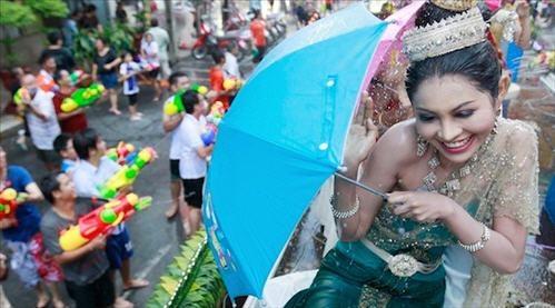 Songkran - Tet te nuoc mung nam moi cua Thai Lan hinh anh