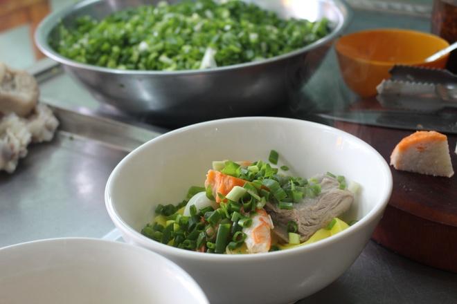 Quan mi Quang rieu cua hut khach duong Nguyen Thi Dinh hinh anh 2
