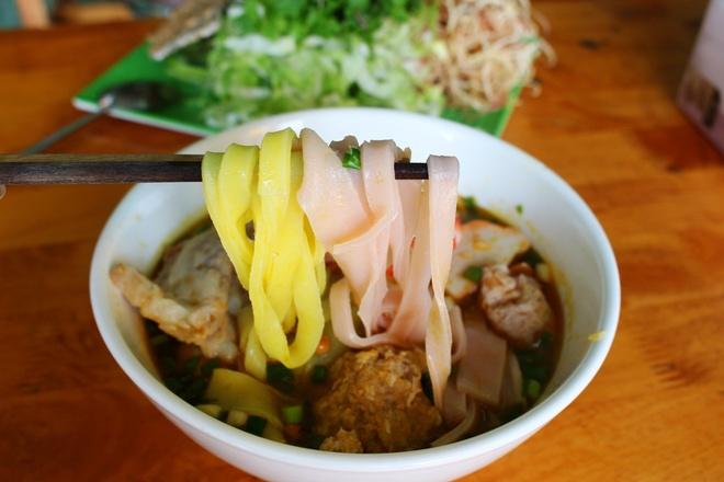 Quan mi Quang rieu cua hut khach duong Nguyen Thi Dinh hinh anh 8