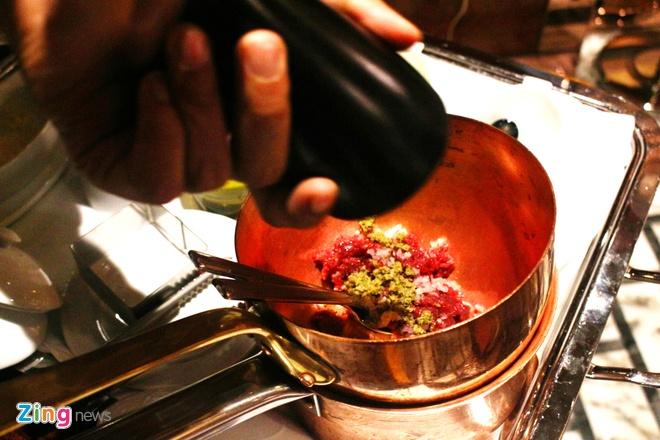 Steak tartare - mon bo song tu Trung A hinh anh 5
