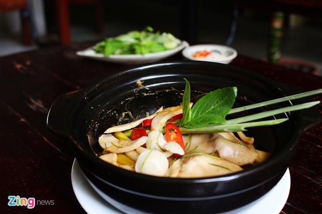 Nau mon chay trong 10 phut: Nam dui ga hap Thai hinh anh