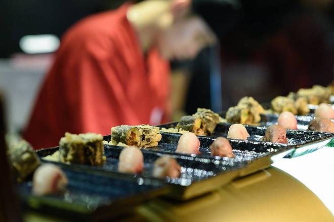 Nhung nha hang sushi dat xat ra mieng cua Sai thanh hinh anh 14
