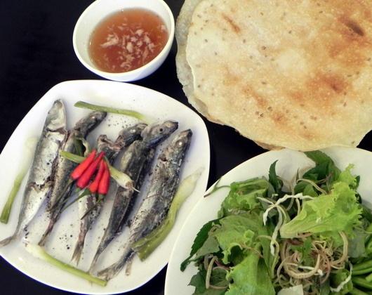 Nhung mon an kem banh trang mien Trung chinh phuc nguoi Sai Gon hinh anh 5