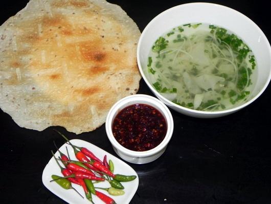 Nhung mon an kem banh trang mien Trung chinh phuc nguoi Sai Gon hinh anh 1