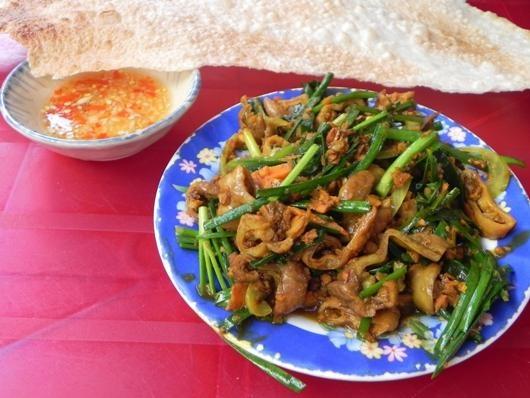 Nhung mon an kem banh trang mien Trung chinh phuc nguoi Sai Gon hinh anh 3