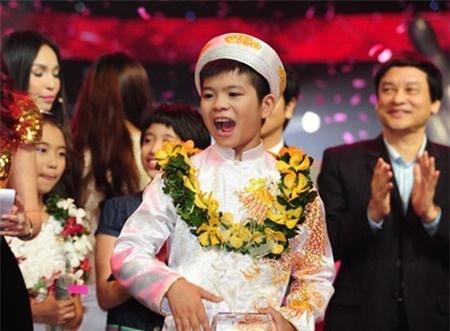 Bo Quang Anh: 'Nha chung toi ngheo lam, tien dau mua giai' hinh anh 1
