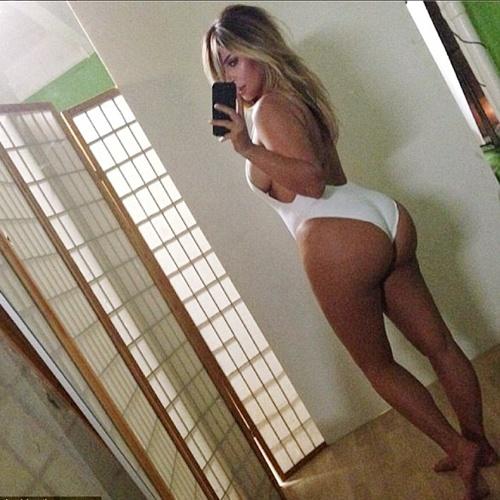 Kim 'sieu vong ba' tu tin mac bikini sau khi giam 11kg hinh anh