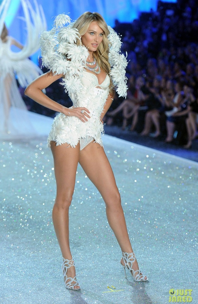 Candice Swanepoel khoe dang sexy voi noi y hon 200 ty hinh anh 4