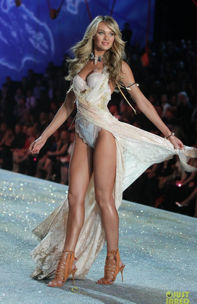Candice Swanepoel khoe dang sexy voi noi y hon 200 ty hinh anh 9