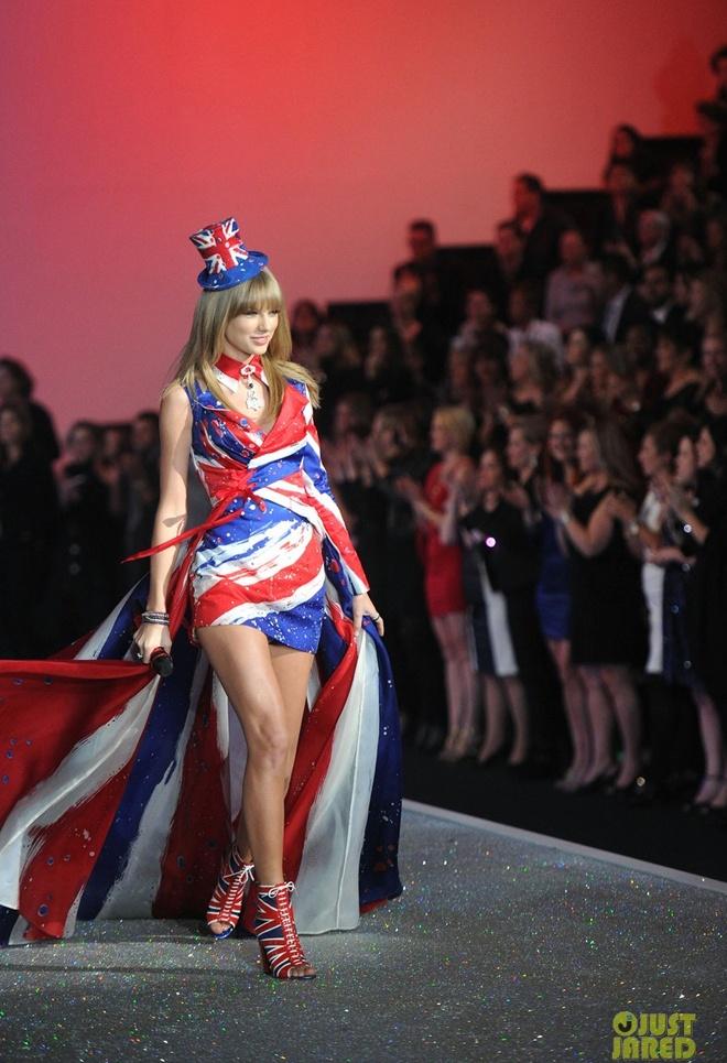 Taylor Swift do ve quyen ru voi thien than Victoria's Secret hinh anh 4