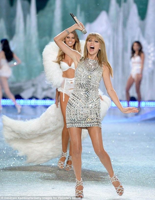 Taylor Swift do ve quyen ru voi thien than Victoria's Secret hinh anh 7