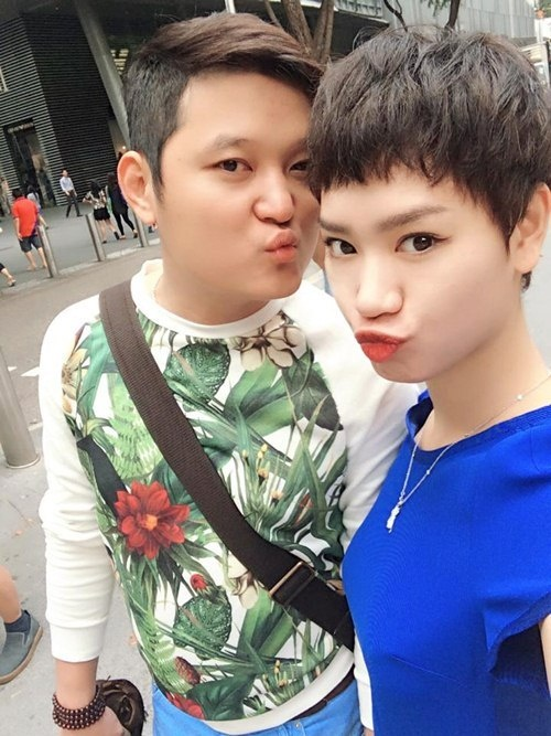 Tra My Idol du lich Singapore cung ban trai dai gia hinh anh 3