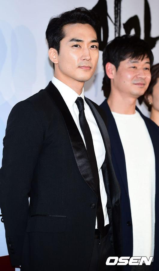 Sao Han den xem phim 19+ cua Song Seung Hun hinh anh 1