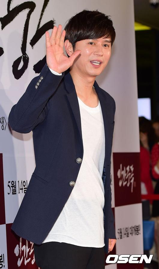 Sao Han den xem phim 19+ cua Song Seung Hun hinh anh 4