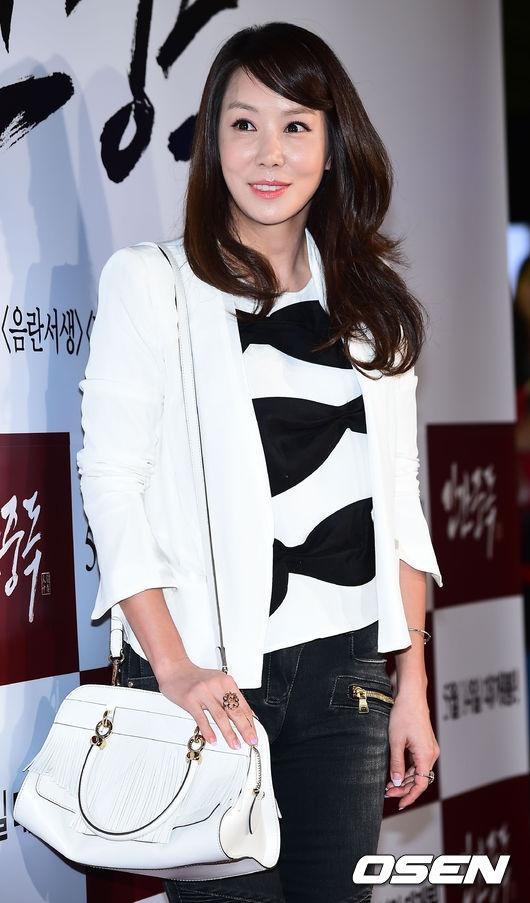 Sao Han den xem phim 19+ cua Song Seung Hun hinh anh 7