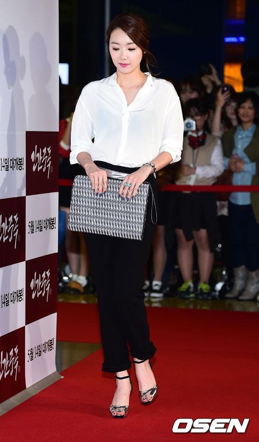 Sao Han den xem phim 19+ cua Song Seung Hun hinh anh 8