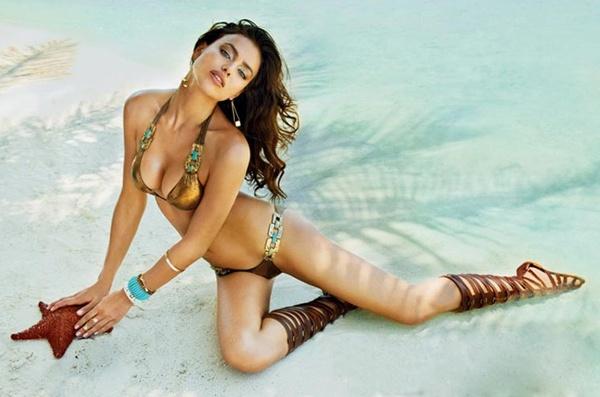 Irina Shayk quang cao ao tam Beach Bunny hinh anh