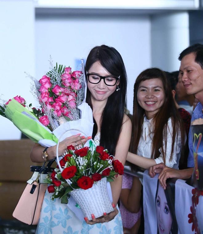 Helen Thanh Dao khoe giac mo Anh hau Dai Loan voi fan Viet hinh anh 3