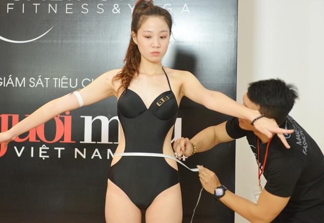 Vao phong can, do cua thi sinh Vietnam's Next Top Model hinh anh