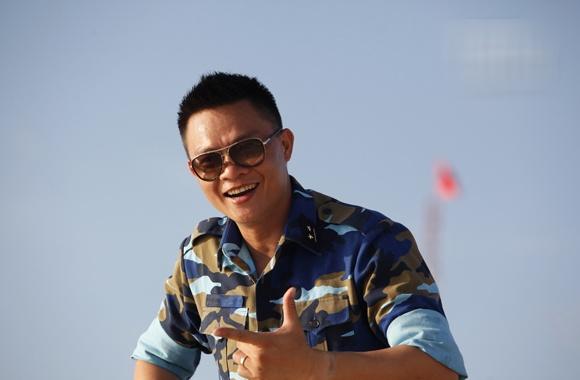 MC Quang Minh canh bao tro lua dao 'trung thuong' tren mang hinh anh