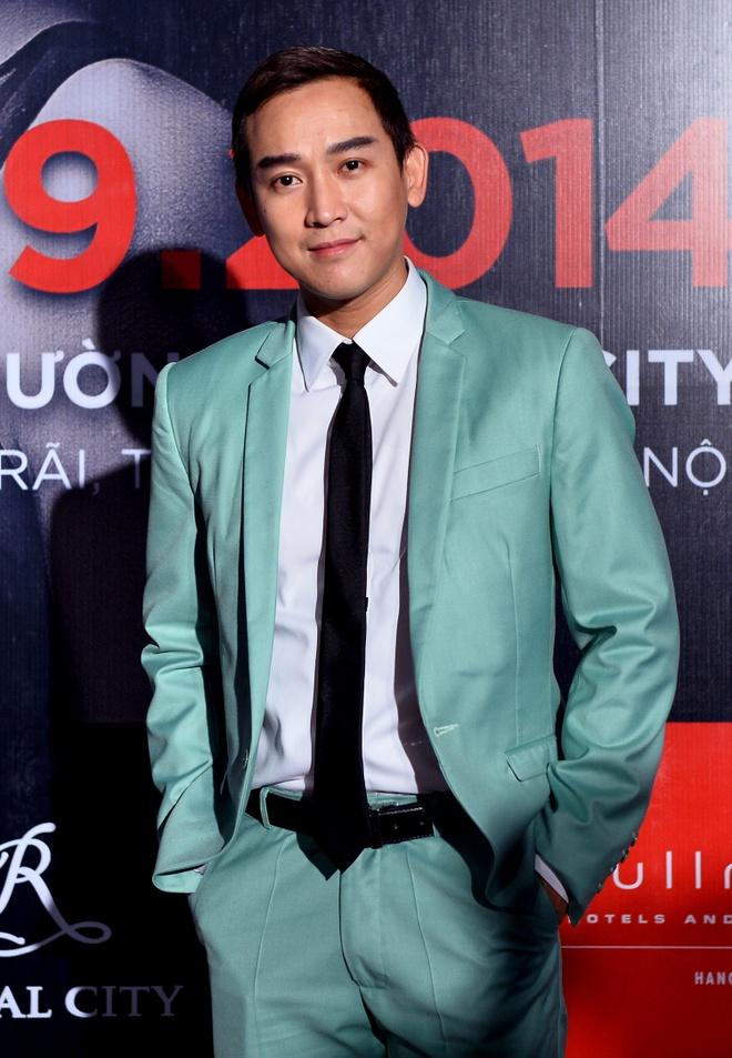 Quang Vinh mac banh bao di xem show thoi trang o Ha Noi hinh anh 2