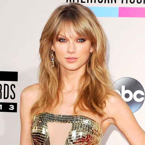 Taylor Swift dang yeu qua tung kieu toc hinh anh 4