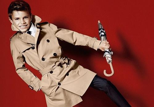 Con trai David Beckham toa sang trong lang thoi trang hinh anh