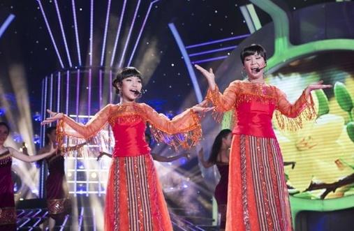 Bao Nghi - Ngan Quynh hat 'Nang co con xuan' hinh anh