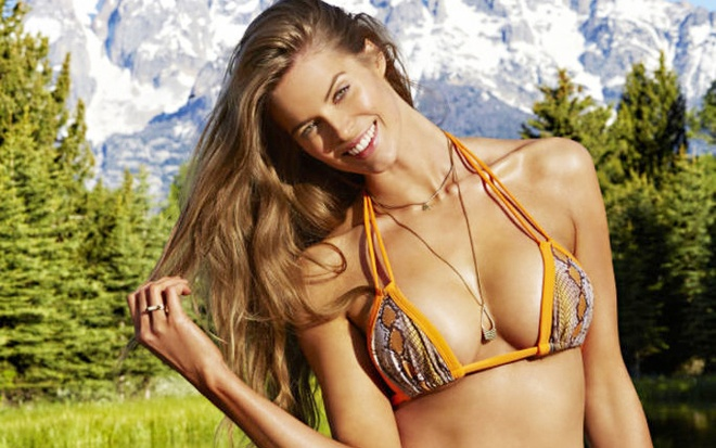 Mau beo Robyn Lawley goi cam tren tap chi ao tam hinh anh