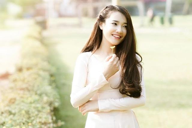 Nhung hot girl Viet tung canh trong showbiz hinh anh
