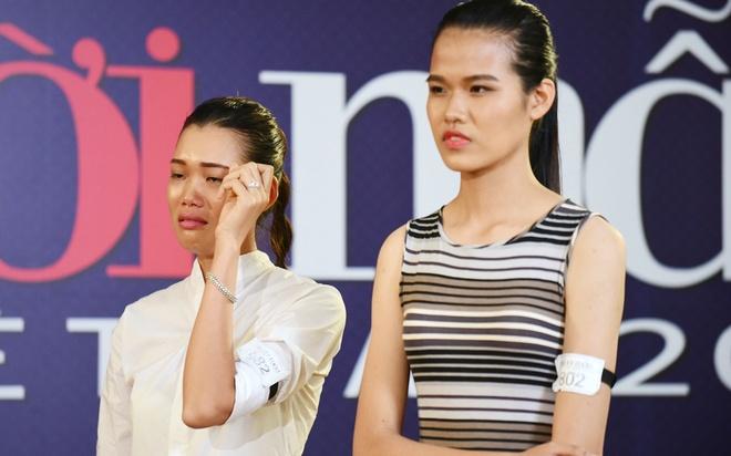9X Quang Ninh khoc nuc no truoc Thanh Hang hinh anh
